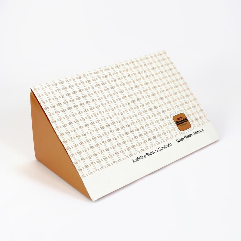 caja-triangular-queso-mahon